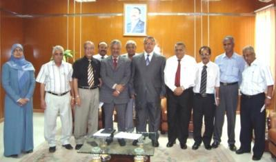 Almotamar Net - Dentistry and Pharmacy Faculties of Aden University , Yemen received Tuesday a collection of basic specialization books and scientific references  from the World Health Organisation (WHO)'s Regional Bureau in Cairo.